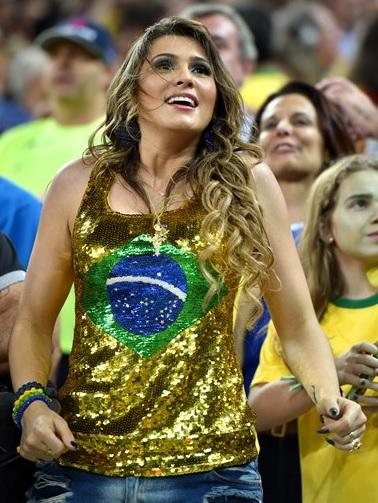 ブラジル_美女サポーター_1.jpg