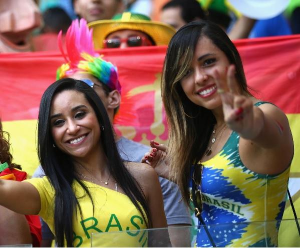 ブラジル_美女サポーター_4.jpg