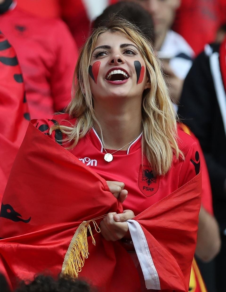 美人 アルバニア