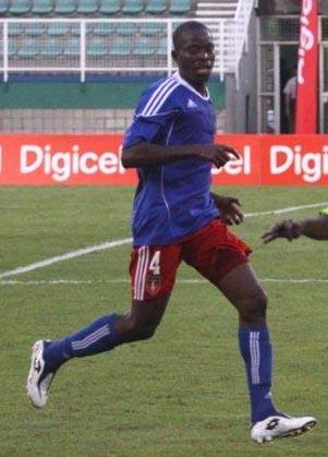 Haiti-10-adidas-home-kit-blue-red-blue.JPG