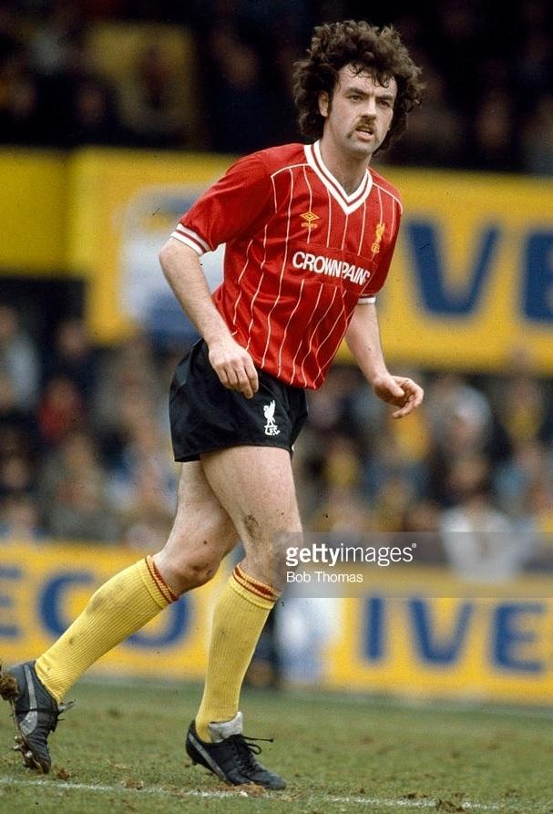 Liverpool-1983-84-umbro-home-kit- John-Wark.jpg