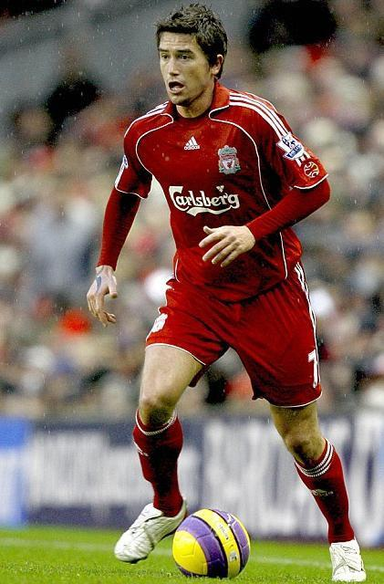Liverpool-FC-07-08-adidas-first-kit-Harry-Kewell.jpg