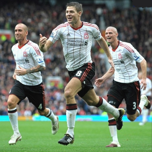 Liverpool-FC-10-11-adidas-second-kit-white-black-white.jpg