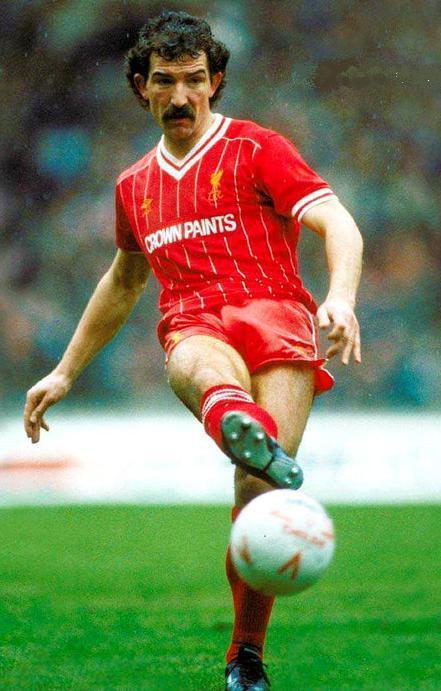 Liverpool-FC-84-85-umbro-cup-first-kit-Graeme-Souness.jpg