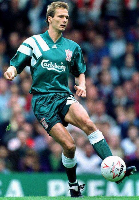 Liverpool-FC-92-93-adidas-second-kit-Torben-Piechnik.jpg