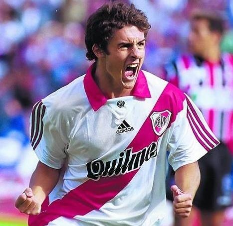 River-Plate-98-99-adidas-home-kit-Pablo-Aimar.jpg