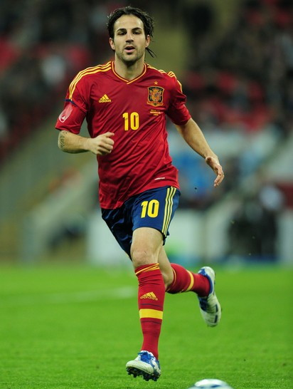 http://football-uniform.up.seesaa.net/image/Spain-11-13-adidas-home-kit-red-navy-red.jpg