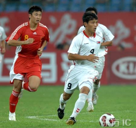070805中国赤赤赤0-1北朝鮮白白白.jpg