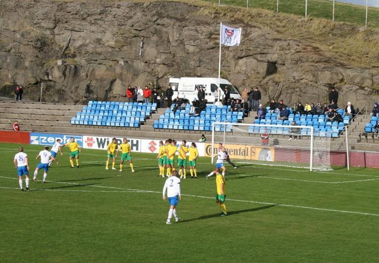 090909-Faroe Islands-2-1-Lithuania-sub.JPG
