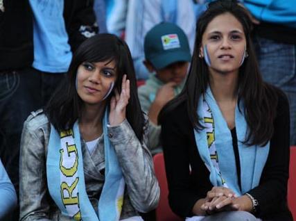 100612-Argentina-supporter.JPG