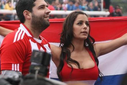 100629-Paraguay-supporter.JPG