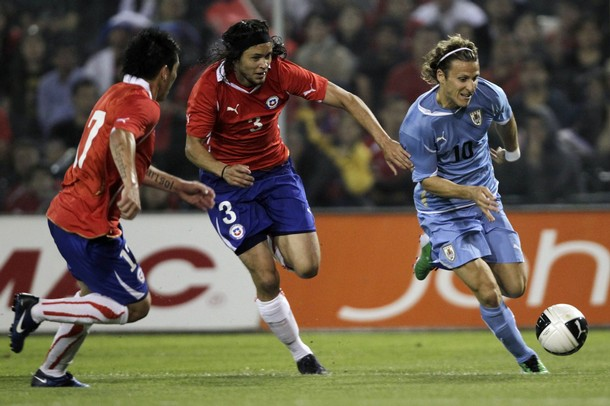 101117-Chile-2-0-Uruguay.jpg