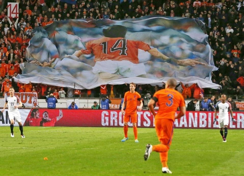 20160325-Netherlands-2-3-France-for-Cruyff-tribute-2.jpg