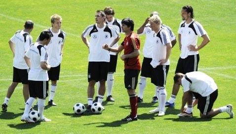 ドイツ-トレーニングシャツ白.JPG