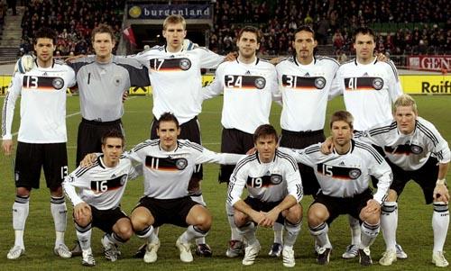 ドイツ07-09adidas白黒白-集合.JPG