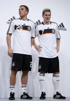 ドイツ08adidas白黒白-発表.jpg
