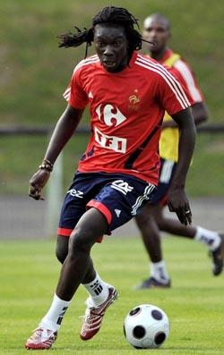 フランス-トレーニングシャツ赤.JPG