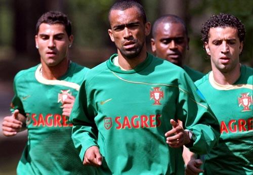 ポルトガル-トレーニングシャツ緑.JPG