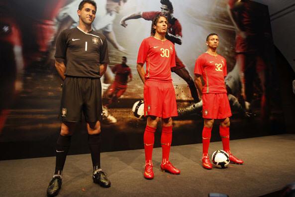 ポルトガル08-09赤赤赤-発表.jpg