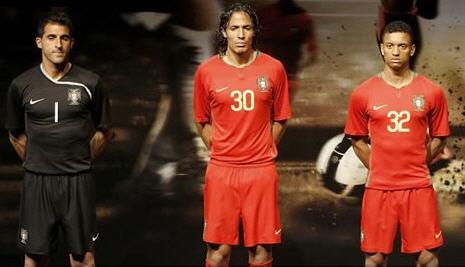 ポルトガル08-09赤赤赤-発表2.jpg