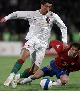 セルビア赤青白-ポルトガル白白緑.jpg