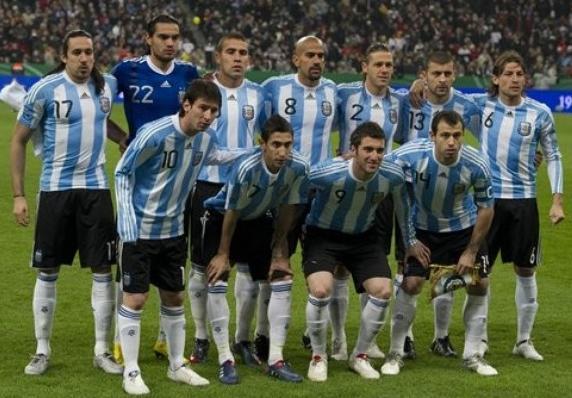 Argentina-10-11-adidas-home-uniform-stripe-black-white-group.JPG