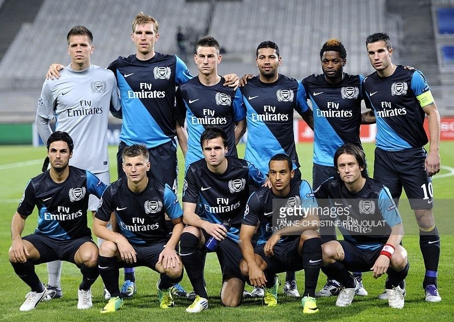 Arsenal-2011-12-NIKE-away-kit.jpg