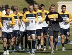 Australia-10-NIKE-training-yellow-2.jpg