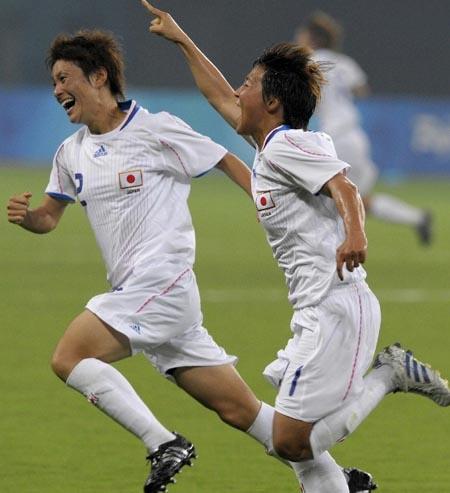 歓喜-女子サッカーなでしこ1.JPG