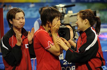 歓喜-女子卓球平野2.jpg