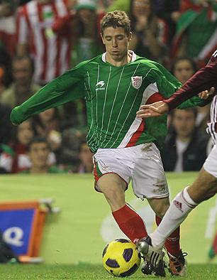 Basque-11-12-ASTRE-home-kit-green-white-red.jpg