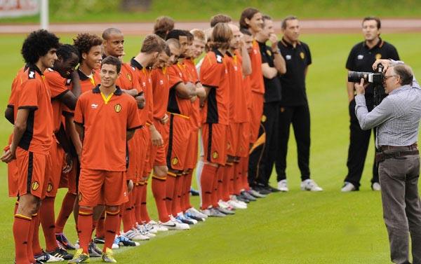 Belgium-10-11-BURRDA-new-home-kit.JPG