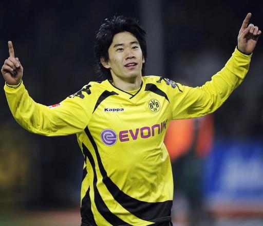 Borussia Dortmund-10-11-KAPPA-Xmas-kit-yellow-black-yellow-Shinji-Kagawa.jpg