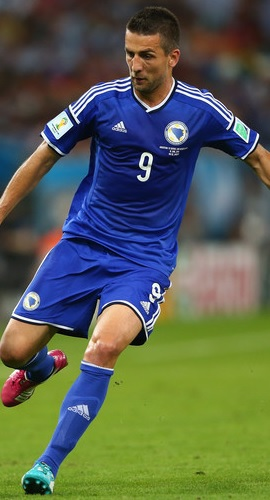 Bosnia-Herzegovina-2014-adidas-away-model.jpg