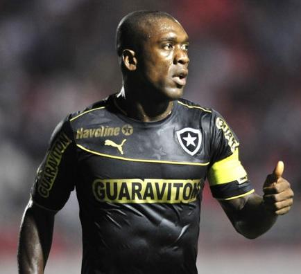 Botafogo-2012-2013-PUMA-third-kit-Clarence-Seedorf.jpg