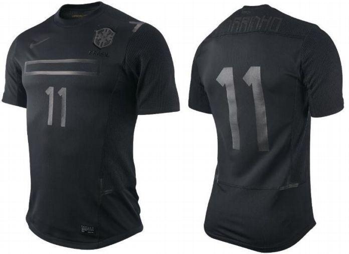 Brazil-2011-NIKE-third-kit.jpg