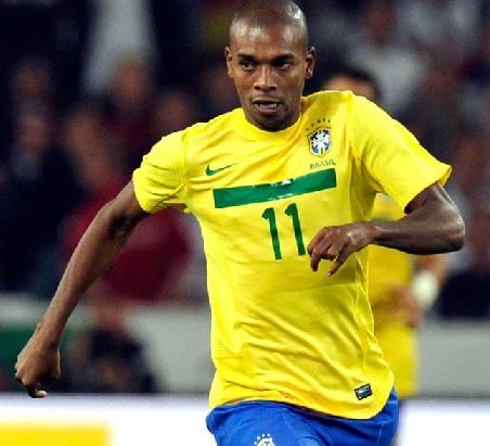 Brazil-2014-Fernandinho.jpg