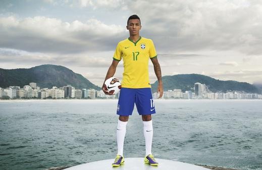 Brazil-2014-NIKE-new-home-kit-8.jpg