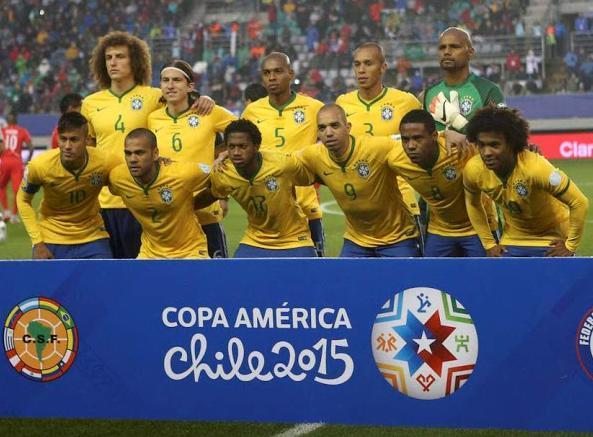 Brazil-2015-NIKE-Copa-America-home-kit-yellow-blue-white-line-up.jpg