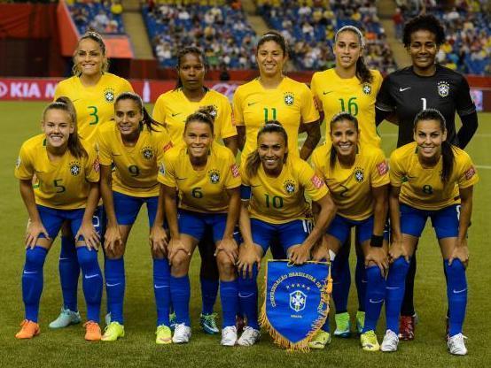 Brazil-2015-Women's-world-cup-home-kit-yellow-blue-blue-line-up.jpg