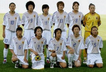 日本02-03adidas女子白青白-集合.JPG