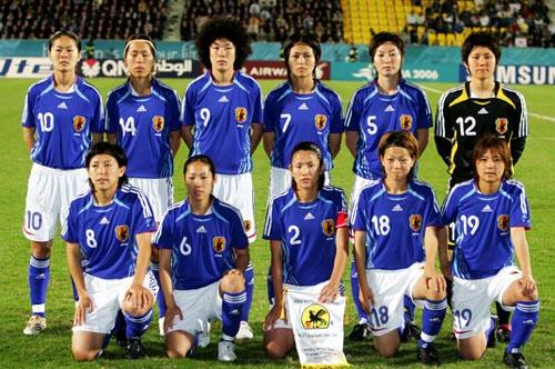 日本06-07adidas女子青白青-集合.JPG