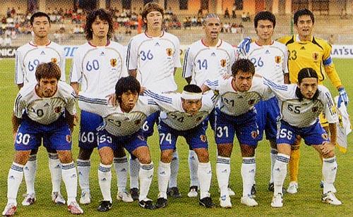 日本06-07adidas白青白-集合.JPG