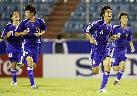 日本06-07adidasU17青青青-歓喜.jpg