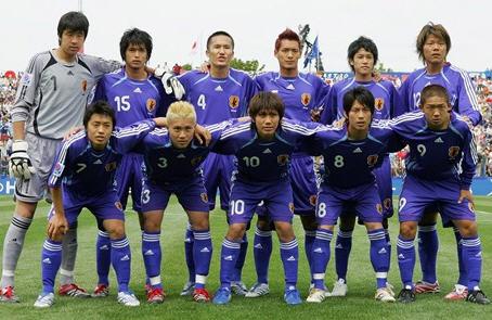 日本06-07adidasU20青青青-集合.jpg