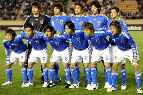 日本08-09adidasU23青白青-集合.JPG