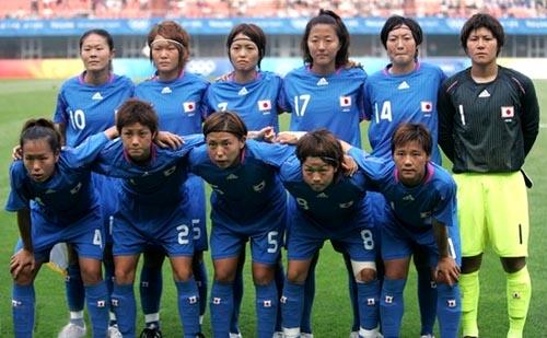 日本08女子adidasOG青青青-集合.JPG