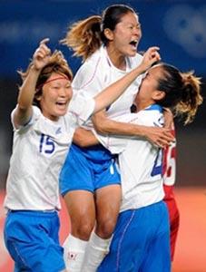日本08女子adidasOG白青白2.JPG