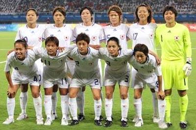 日本08女子adidasOG白白白-集合.JPG
