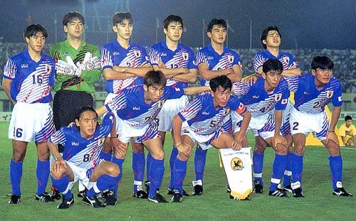 日本94-95asics青白青-集合2.JPG